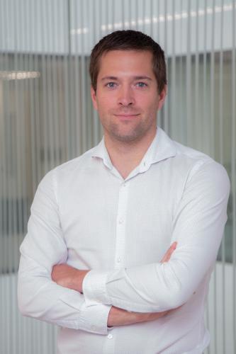 Dr. Kjell Van Royen